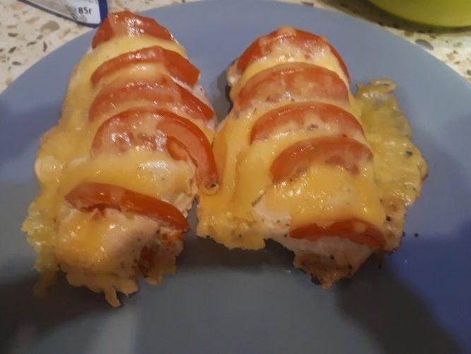 Маринованная куриная грудка с томатами