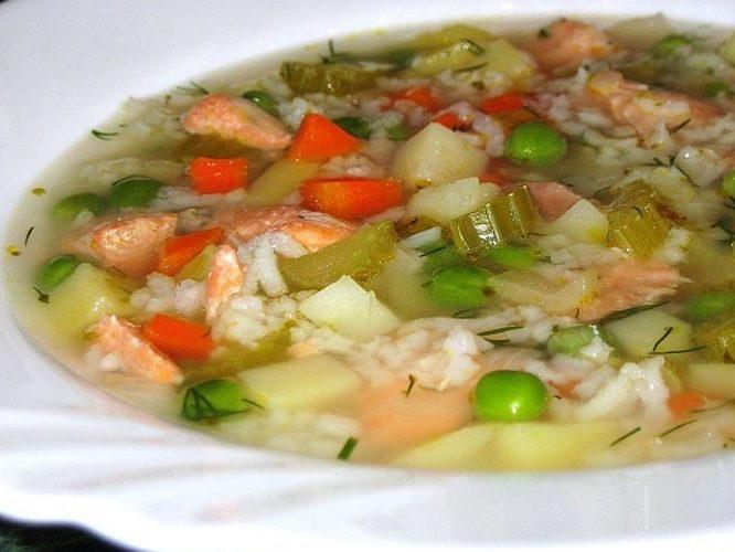 Суп из Сайры и зеленого горошка