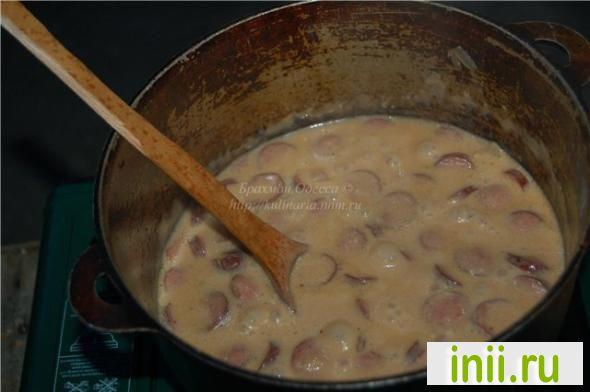 Баварский пивной сырный суп с копчеными колбасками.