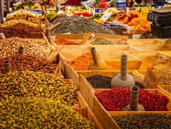 4 специи, без которых не обходится индийская кухня