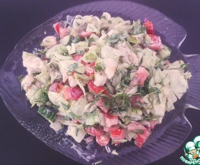 Салат из свежих овощей с креветками
