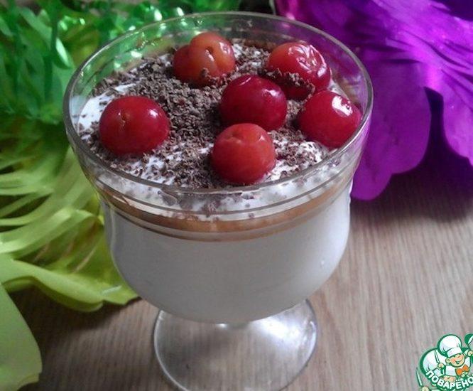 Творожный десерт с шоколадом и черешней