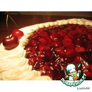 Пирог с черешней и взбитыми сливками