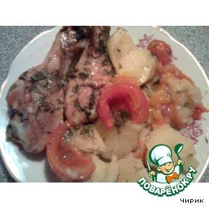 Румяные куриные ножки с картофелем и помидорами