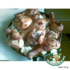 Запеченные картошка с куриной голенью