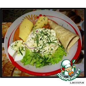 Салат с консервированным кальмаром