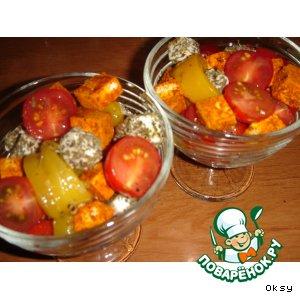 Салат из перца, феты и помидоров черри