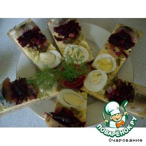 Торт бутербродный с копченой рыбой