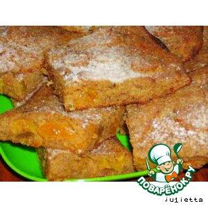 Пирог с сухарями и сухофруктами