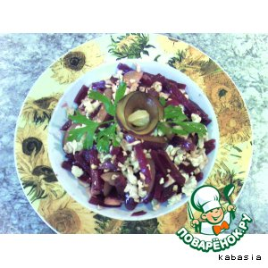 Салат из свеклы со сливой и орехами