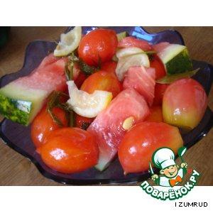 Ассорти из помидор и арбуза