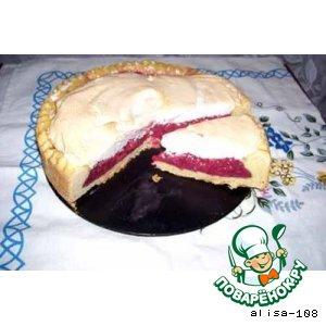 Пирог с начинкой из мороженой клубники