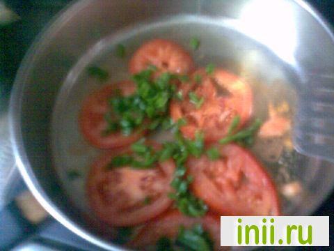 Эксперимент: жареные помидоры с зеленью и брынзой.